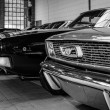 ������, ������: Ford Mustang and Dodge Charger