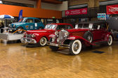 Crawl Phaeton and  Lincoln Continental — Stock Photo
