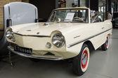 Amphicar is an amphibious automobile — Stock Photo