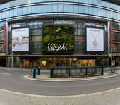 Shopping center Galeries Lafayette on Friedrichstrasse. — Stock Photo