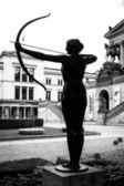 A bronze sculpture in front of Alte Nationalgalerie (Old National Gallery). — Stock Photo