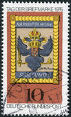 Postage stamp printed in Germany, shows the Imperial Post Emblem, Hoechst am Main, 18th century — Stock Photo
