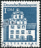 Postage stamp printed in Germany, shows a Melanchthon building, Wittenberg — Stock Photo