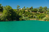 Green lake in the Taurus Mountains. Oymapinar. Antalya Province. Turkey. — Stock Photo