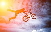 Man doing an jump with bike. — Stock fotografie
