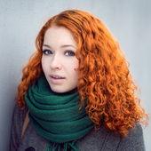 Kızıl saçlı kız. — Stok fotoğraf