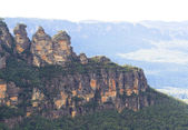 Three Sisters a rock formation in the Blue Mountains — Stock Photo