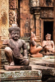 Yaksha Guardian at Banteay Srei temple in Cambodia — Stock Photo