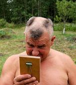 Barbering man — Stockfoto