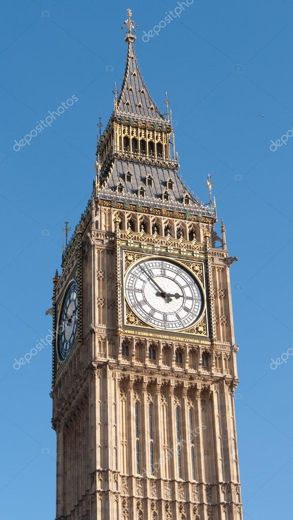 Close up view of the Gothic  Clock Face of Big Ben in the Palace of Westminster, a very famous tourist attraction in London UK. — Stock Photo #12261409