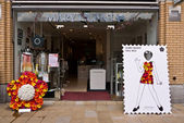 Fashion Designer Mary Quant's store decorated for the Chelsea Fringe Festival in London. — Stock Photo