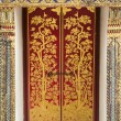Golden door at wat pra kaew — Stock Photo