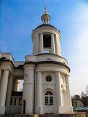 Campanario del templo de nuestra señora de vlaherna. moscú, kuzminki. — Foto de Stock