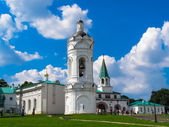 The Church of St. George with a bell tower on a hot sunny summer day. — Stock Photo
