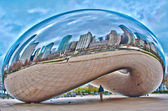 Cloudgate and Chicago skyline. — Stock Photo