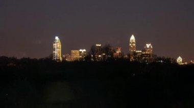 С видом на центр города ранним утром timelapse Шарлотта — Стоковое видео