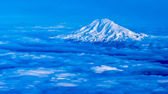 Mount Rainer Flying Over — Stock Photo