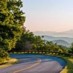 Early morning sunrise over blue ridge mountains — Stock Photo #26909147