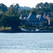 Residence on a lake — Stock Photo