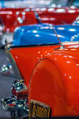 Cars on display at an autoshow — Stock Photo