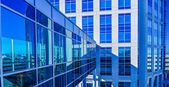 Modern corporate architecture skywalk — Stock Photo