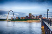 Early morning Cityscape of St. Louis skyline in Missouri state — Stock Photo