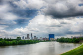 Horizonte de Indianapolis. imagen panorámica del horizonte de indianapolis en — Foto de Stock