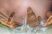 Cleveland. bild von cleveland stadtzentrum bei nacht — Stockfoto