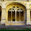 Detail of the cloister of the portuguese Hieronymites Monastery — Stock Photo #13579375