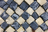 Dettaglio di una pavimentazione tipica portoghese a lisbona, portogallo — Foto Stock