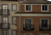 Detail of an old bulding at Lisbon, Portugal — Stock Photo