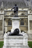 Statue of Oliver Cromwell at London, England — Stock Photo