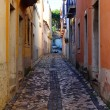 Detail of a narrow street at Lisbon, Portugal — Foto Stock