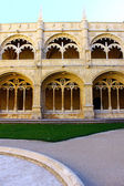 Cloister of the Jeronimos Monastery, Lisbon, Portugal — Foto de Stock