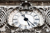 Old clock — Stockfoto