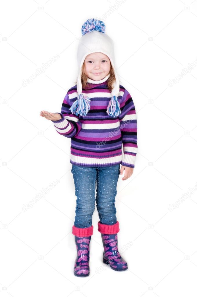 petite fille en habits d 39 hiver avec la main vide photographie tarik vision 30296183. Black Bedroom Furniture Sets. Home Design Ideas