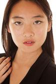 Asiatisk kvinna huvudet allvarliga — Stockfoto