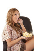 Eat popcorn — Stock Photo