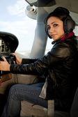 女人在飞机控制 — Stockfoto