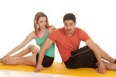 Couple sit fitness stretch — 图库照片