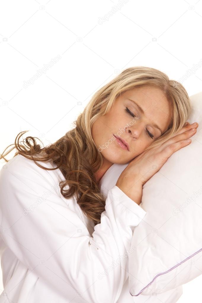 фото спит в халате