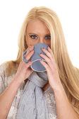 Woman blue scarf and mug drink — Stock Photo