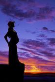 Silhuett kvinna gravid i hatt — Stockfoto