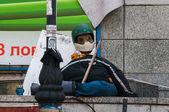 KIEV, UKRAINE - MAY 9, 2014: The dummy of Euromaidan protester. — Stock Photo