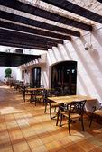 Open terrace cafe in mediterranean town — Stock Photo