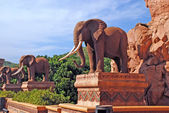 Statue of elephants — Stock Photo