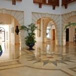 Foyer in luxury mansion — Stock Photo