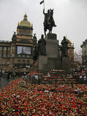 Vaclav Havel mourn in Wenceslas Square(Prague). — Stock Photo