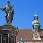 Monument with Emperor Franz I, Vienna, Hofburg — Stock Photo