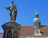 Denkmal mit kaiser franz i, wien, hofburg — Stockfoto